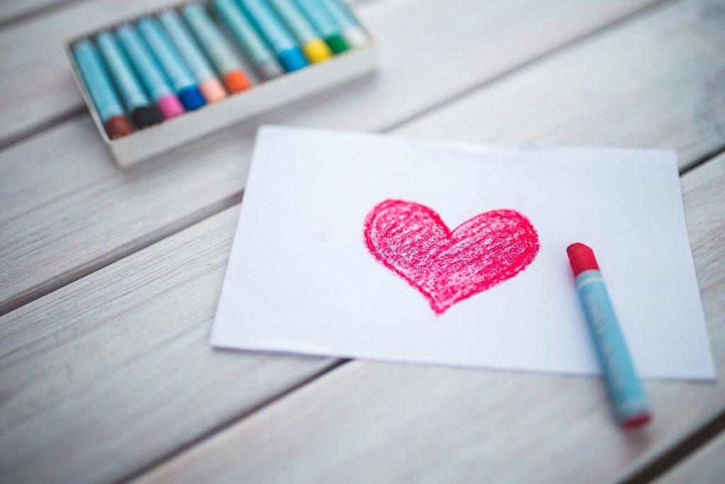 Cartão com coração desenhado